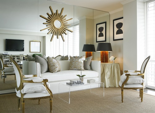 How to Create a Traditional Living Room with a Modern Touch