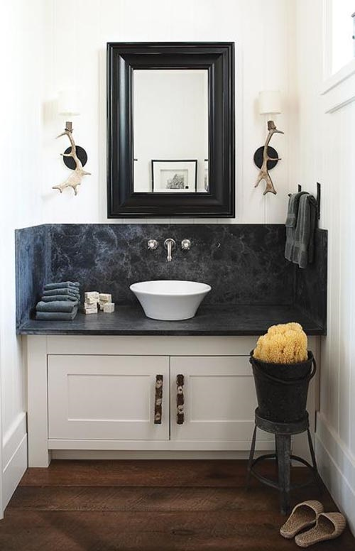 4 Fantastic Design Ideas on How to Decorate A Small Bathroom
