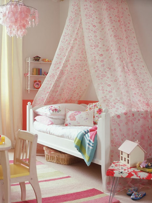 https://interiordesign4.com/wp-content/uploads/2015/05/Wonderful-Classic-Young-Girl-Bedroom-Decorating-Ideas-20.jpg