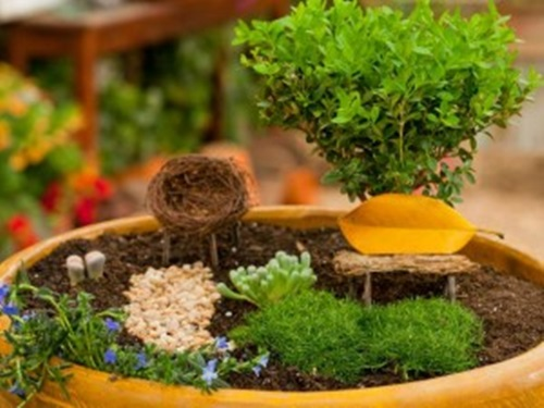 Magical Fairy Garden Ideas to Amuse Your Kids