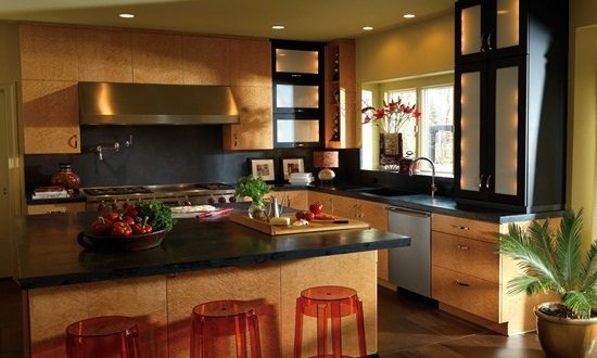 Have a warm and cozy atmosphere by creating a country kitchen design