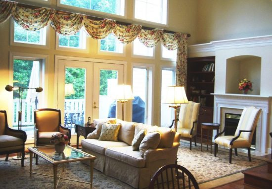 4 Easy DIY Ideas for Making Tuscan Window Treatment