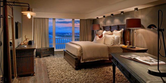 Romantic Bedroom Features by Raymond Jimenez to Impress You